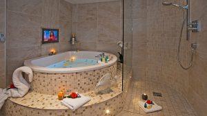 Hotel Photography, Aph Parisian, Semi Circular, Bath, Beautifully, Styled, Toiletry Packs